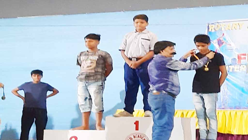 mrd international school student won medal in swimming activity